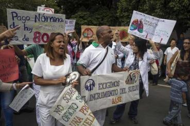 Hospital workers protest for improvements in working conditions