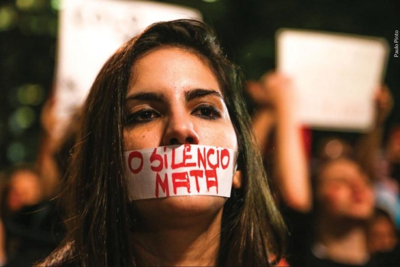 La imagen tiene un atributo ALT vacío; su nombre de archivo es brasil2109-i.jpg